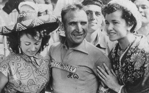 """Wim """"Locomotive"""" van Est with the Tour de France yellow jersey"""