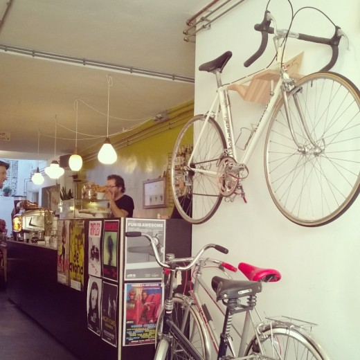 Black Bird Coffee - Coffee and Vintage Bicycles