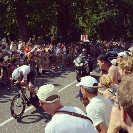 Mollema, one of the crowd favourites, accelerates on the first stage of Le Tour in Maliesingel.